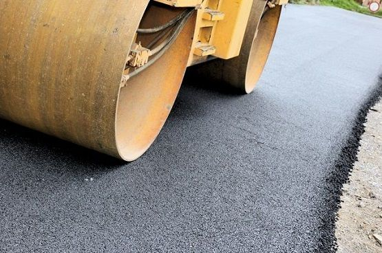 winter asphalt paving