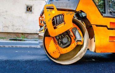 winter asphalt paving